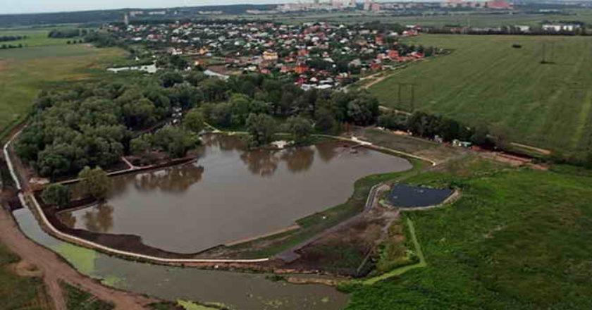 Подмосковный клуб платной рыбалки обвиняют в незаконном использовании реки